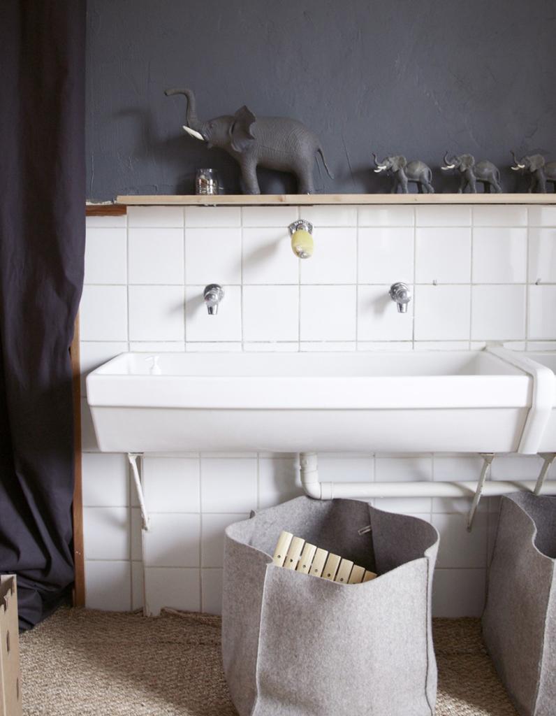 Salle de bains enfant nos inspirations pour une salle de for Decoration pour petite salle de bain