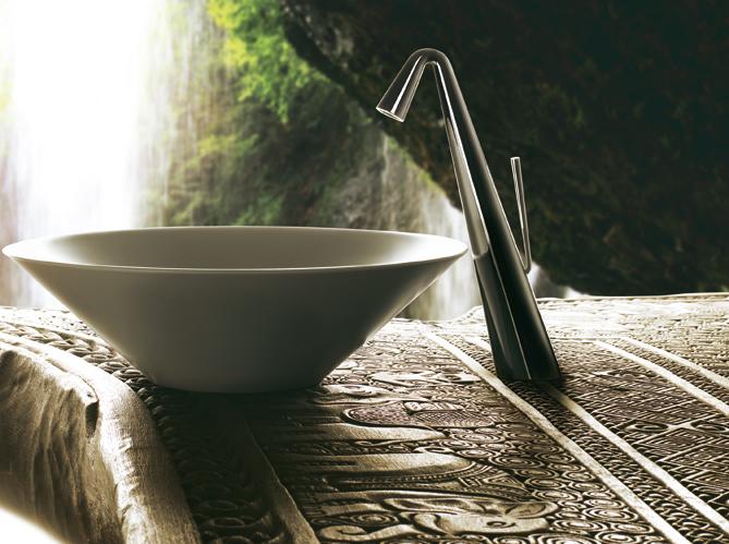 La robinetterie noire d tail ultra chic elle d coration for Lavabo cuisine noir