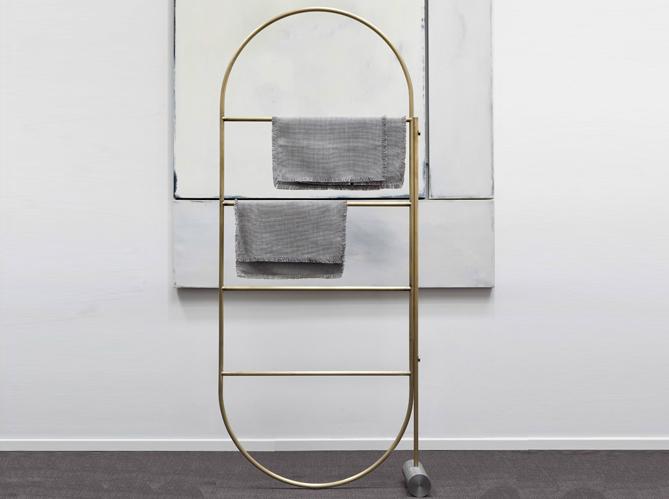 l 39 inspiration du jour un porte serviettes design elle d coration. Black Bedroom Furniture Sets. Home Design Ideas