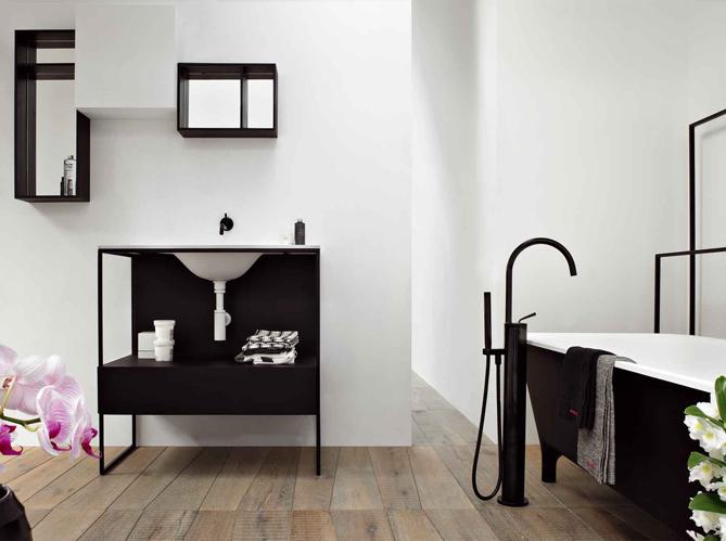 La salle de bains s 39 habille en noir et blanc elle d coration - Elle deco salle de bain ...