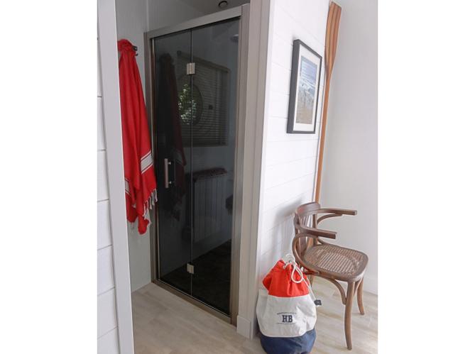 Visitez la salle de bains de elle d coration for Elle deco salle de bain