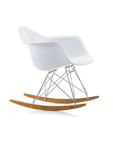 20 rocking chair qui font basculer la d co elle d coration for Vitra fauteuil charles eames
