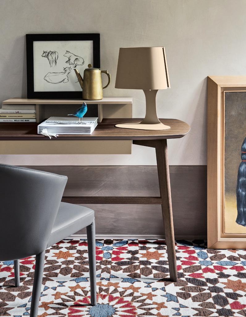Un bureau design pour un espace de travail styl elle for Bureau design petit espace