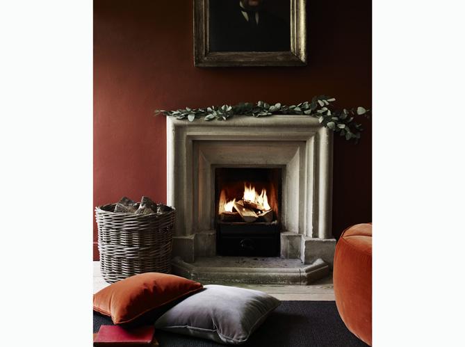 Salon cocooning copiez les plus beaux elle d coration for Canape devant cheminee