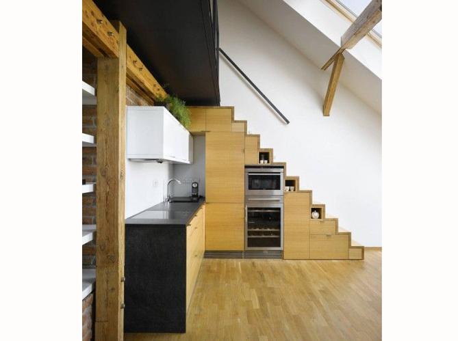 16 id es d co pour ne pas perdre d 39 espace sous l 39 escalier elle d co - Cuisine sous escalier ...