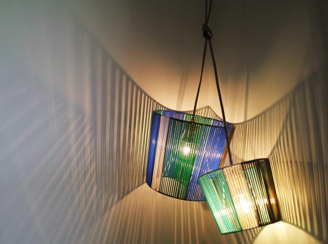 diy cr ez votre lampe scoubidou esprit 50 s elle. Black Bedroom Furniture Sets. Home Design Ideas