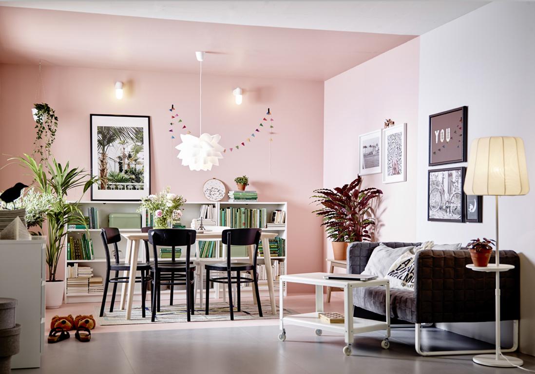 Un plafond et des murs rose pour d limiter un espace un for Ideas de como decorar tu casa