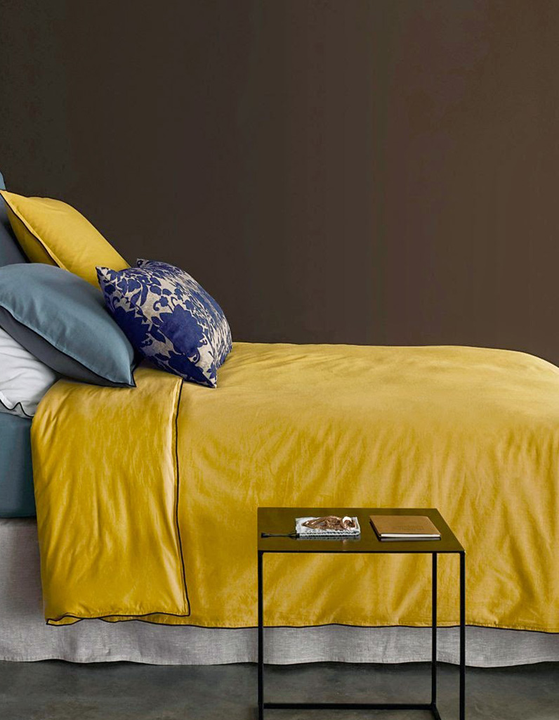 quelles couleurs associer au jaune moutarde elle d coration. Black Bedroom Furniture Sets. Home Design Ideas