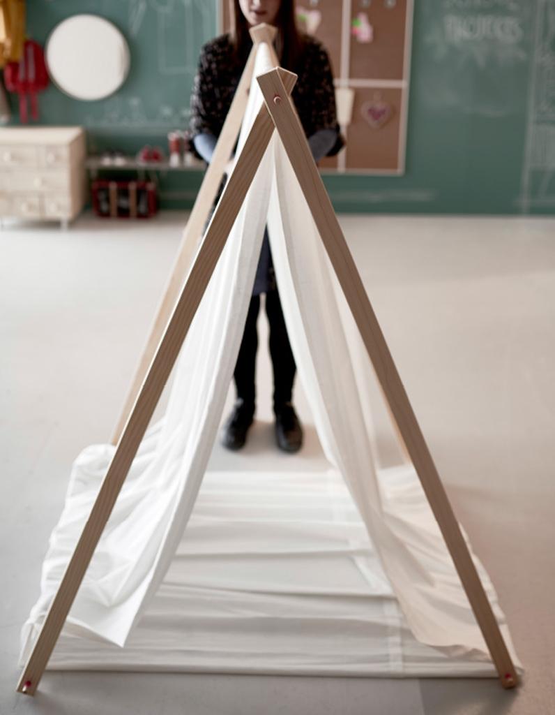 diy un tipi pour enfant elle d coration. Black Bedroom Furniture Sets. Home Design Ideas