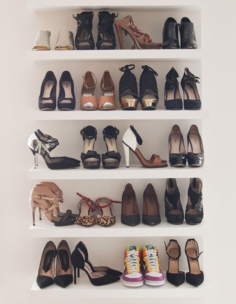 rangement chaussures maison cheap suprieur meuble a chaussure maison meuble chaussures porte. Black Bedroom Furniture Sets. Home Design Ideas