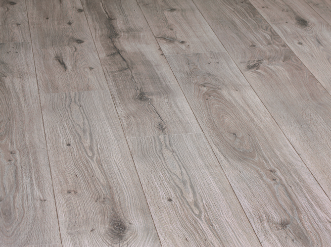 Ces sols qui imitent le parquet la perfection elle d coration - Dalle stratifie imitation carrelage ...