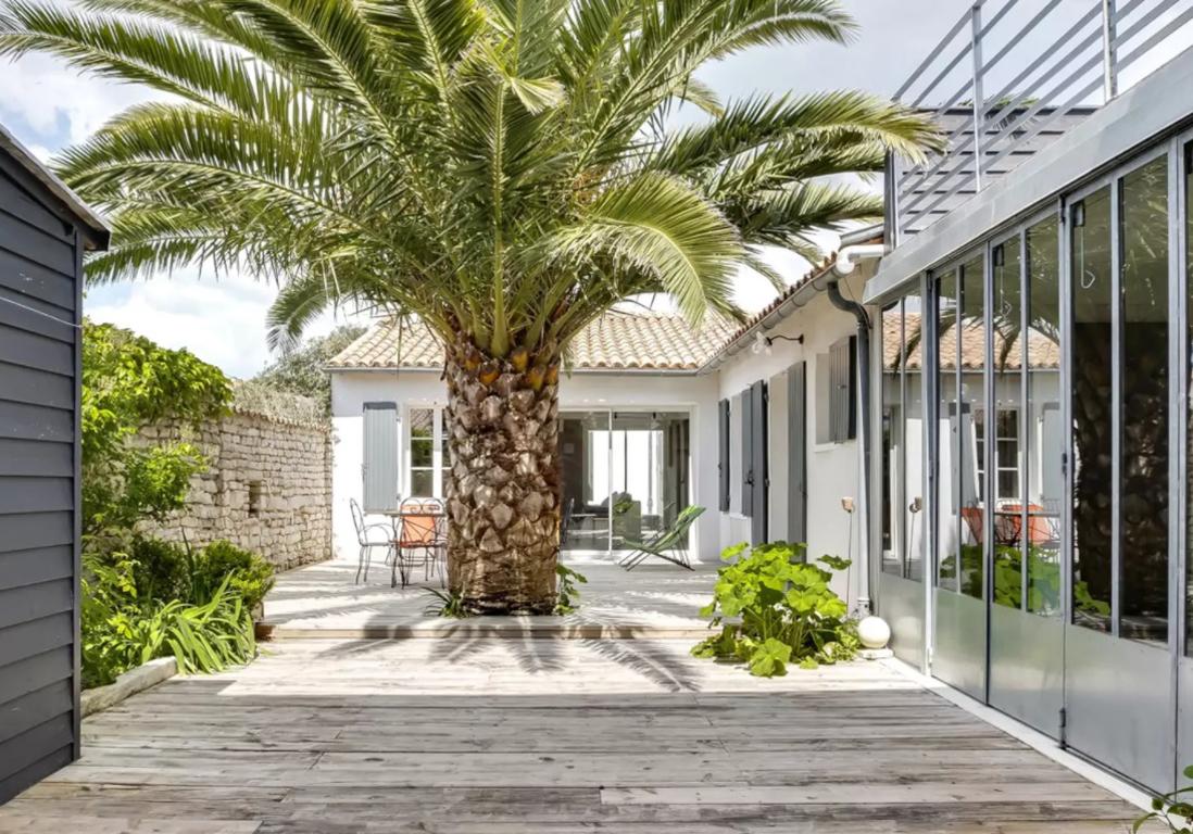 maison a vendre ile de re stunning with maison a vendre. Black Bedroom Furniture Sets. Home Design Ideas