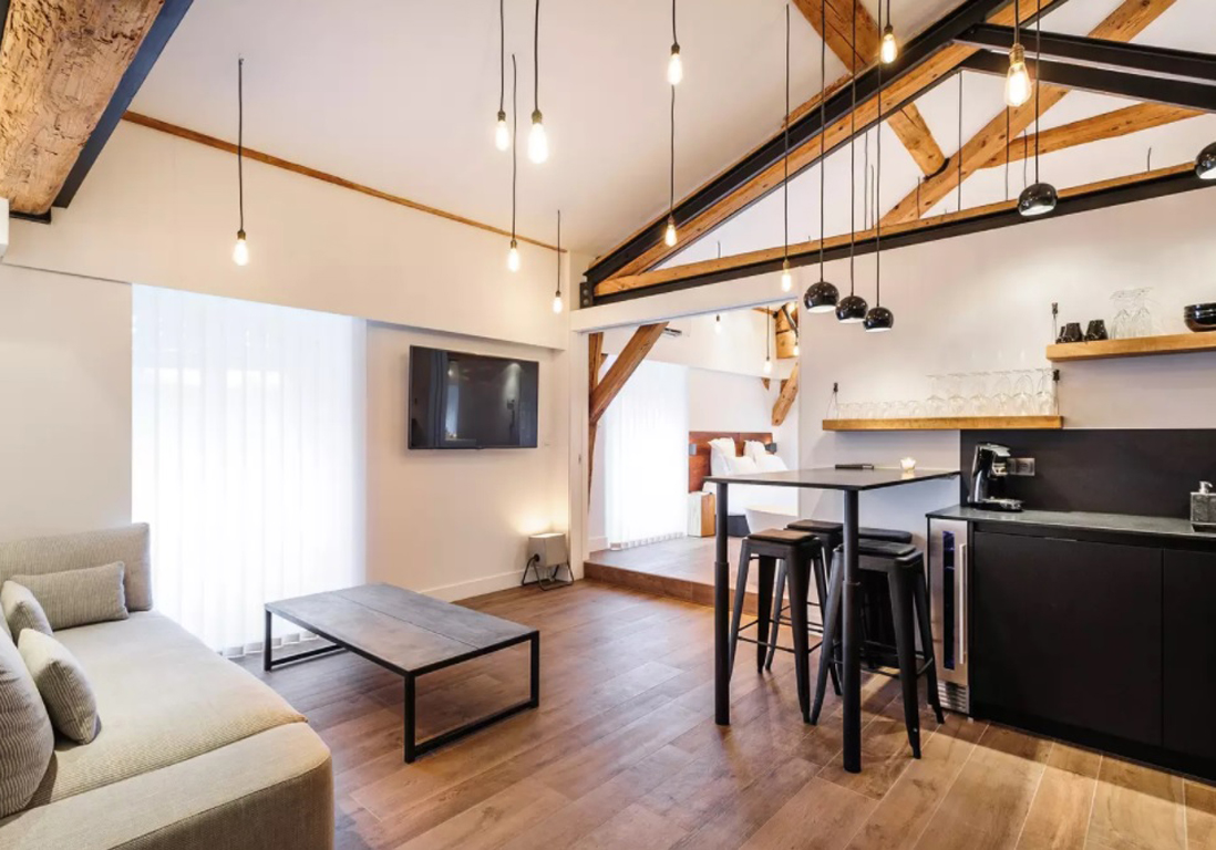airbnb lyon 20 appartements lofts et h tels particuliers de r ve lyon elle d coration. Black Bedroom Furniture Sets. Home Design Ideas