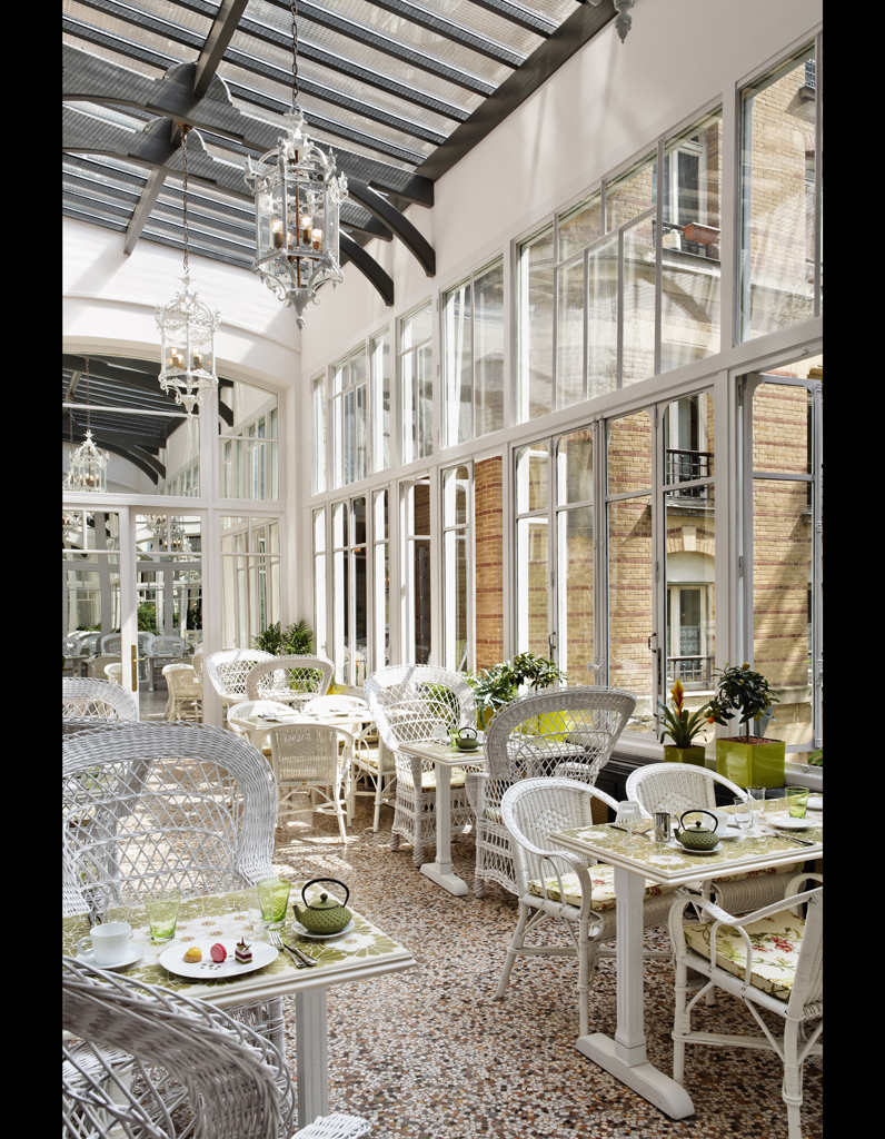 bambi sloan revisite le restaurant les climats elle d coration. Black Bedroom Furniture Sets. Home Design Ideas