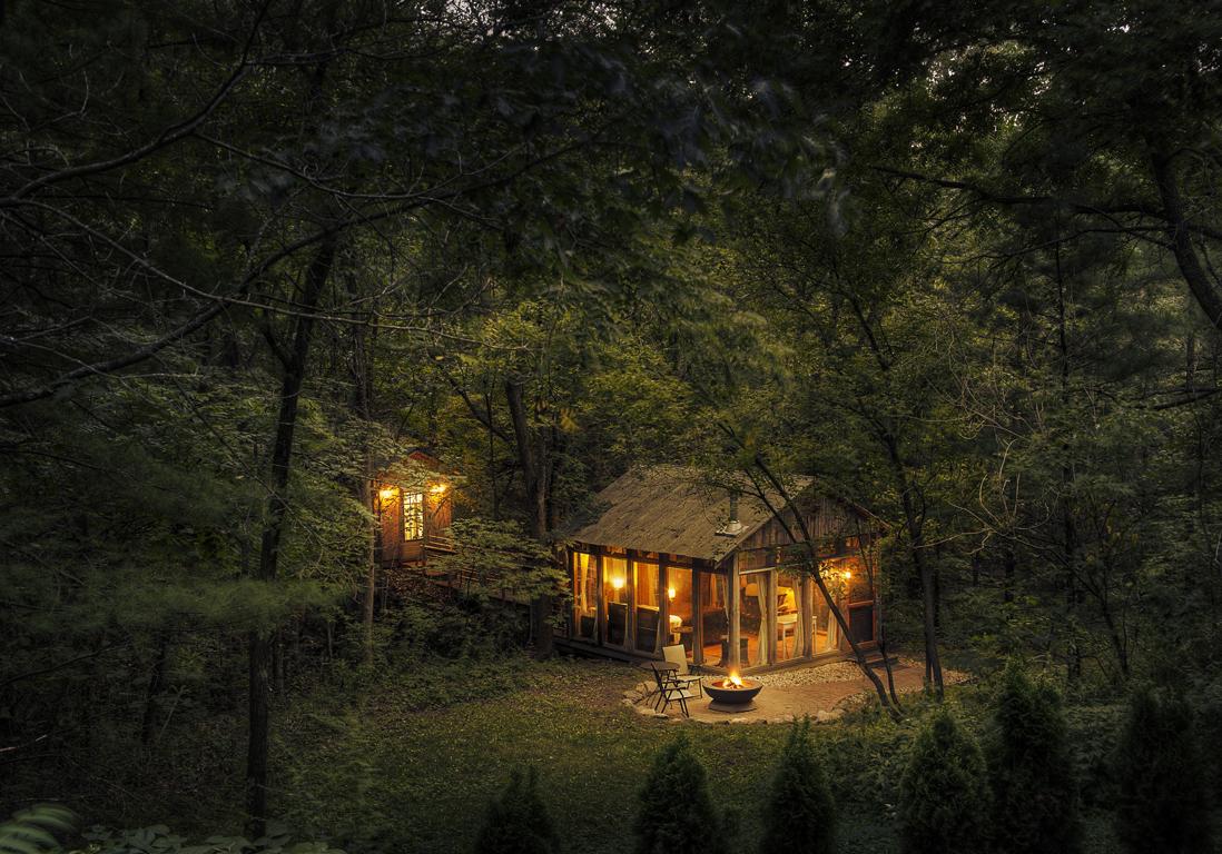 Cabane dans les arbres ou cabane sur roulette dormir - Maison en pleine nature ...
