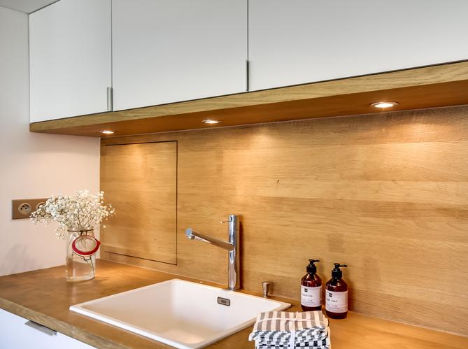 La transformation de deux studios en un grand appartement elle d coration - Traiter un plan de travail en bois ...