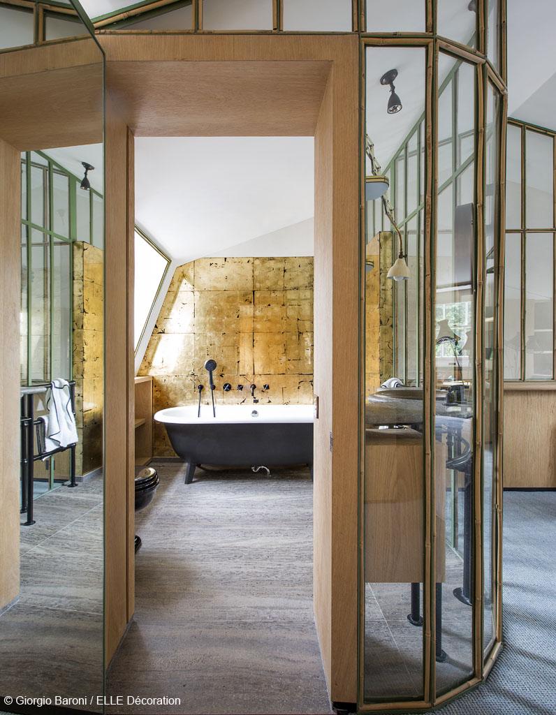 Une maison en or elle d coration for Elle deco salle de bain