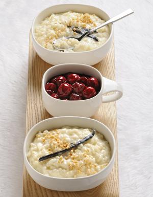 riz au lait sauce cerises pour 6 personnes recettes elle table. Black Bedroom Furniture Sets. Home Design Ideas