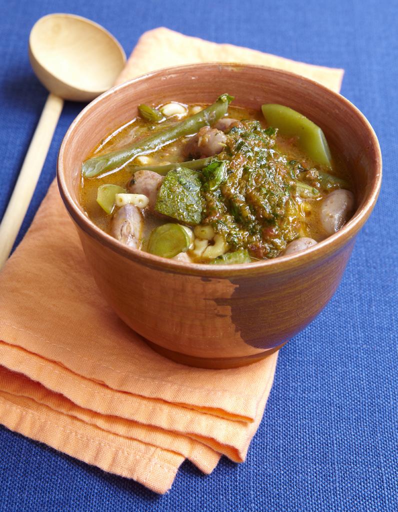 Soupe au pistou pour 6 personnes recettes elle table - C est au programme recettes de cuisine ...
