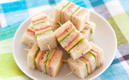 mini club sandwichs recettes elle table. Black Bedroom Furniture Sets. Home Design Ideas