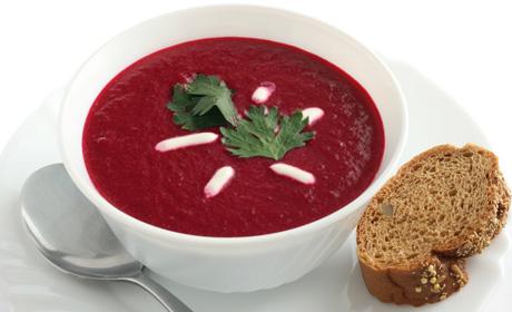 Soupe la betterave pour 2 personnes recettes elle table - Soupe betterave thermomix ...