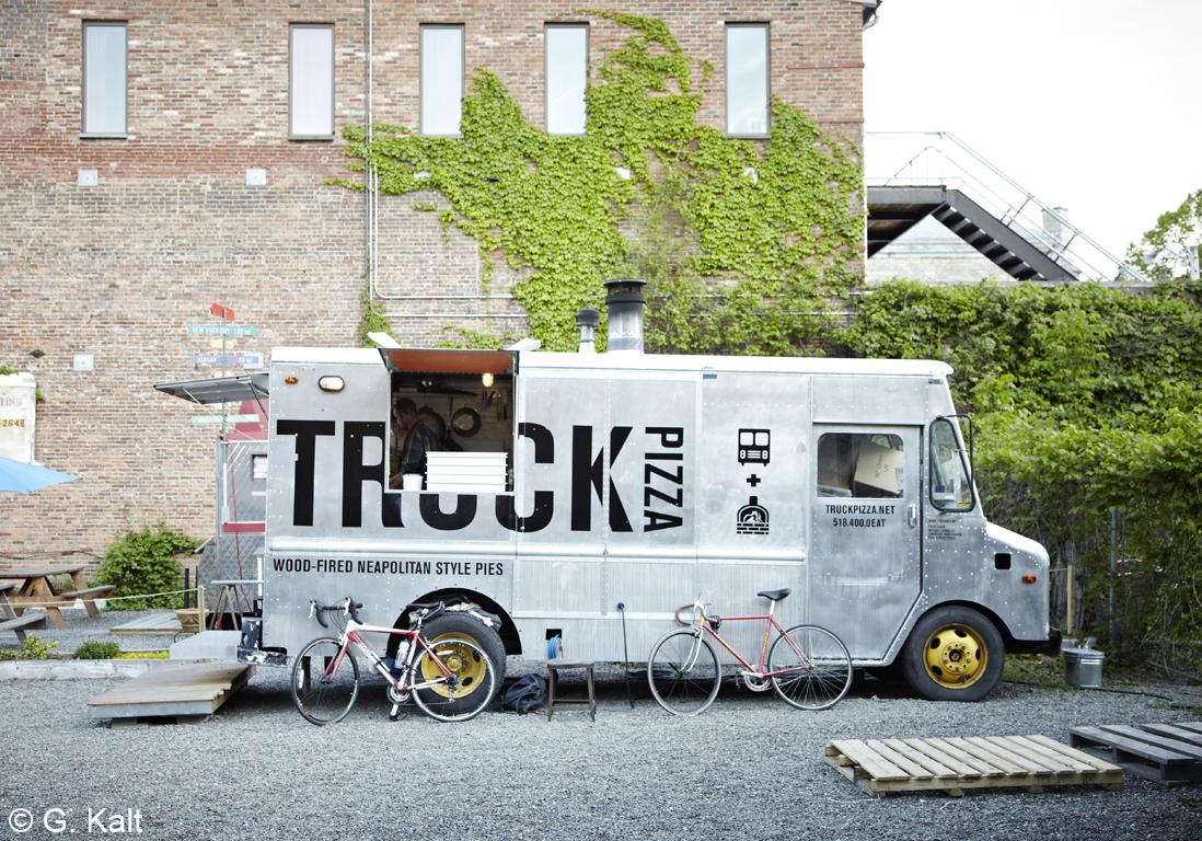 beau comme un camion food trip retour woodstock. Black Bedroom Furniture Sets. Home Design Ideas