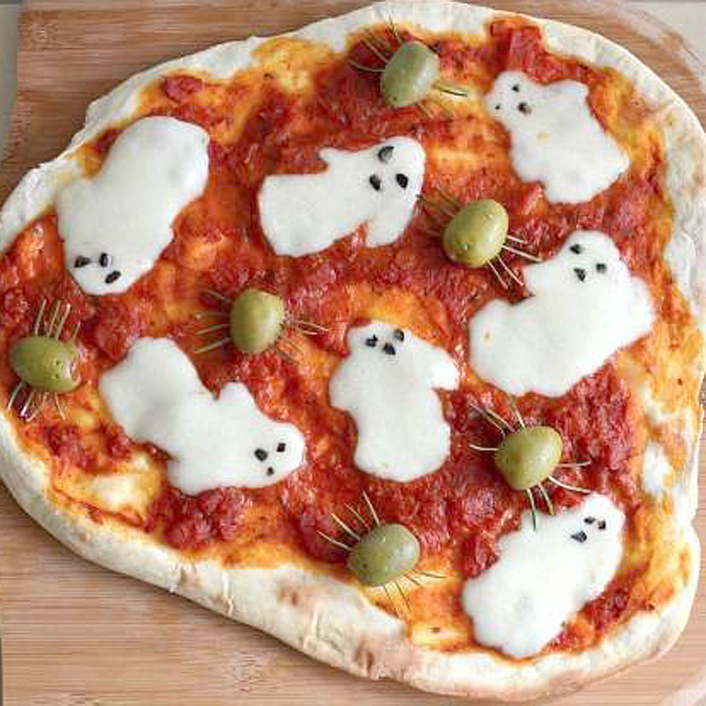 pizza fant me de halloween halloween des recettes. Black Bedroom Furniture Sets. Home Design Ideas