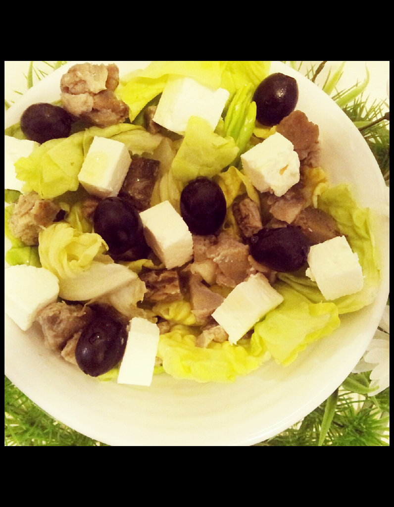 salade verte olives nos 35 bonnes id es pour frimer en cuisine elle table. Black Bedroom Furniture Sets. Home Design Ideas