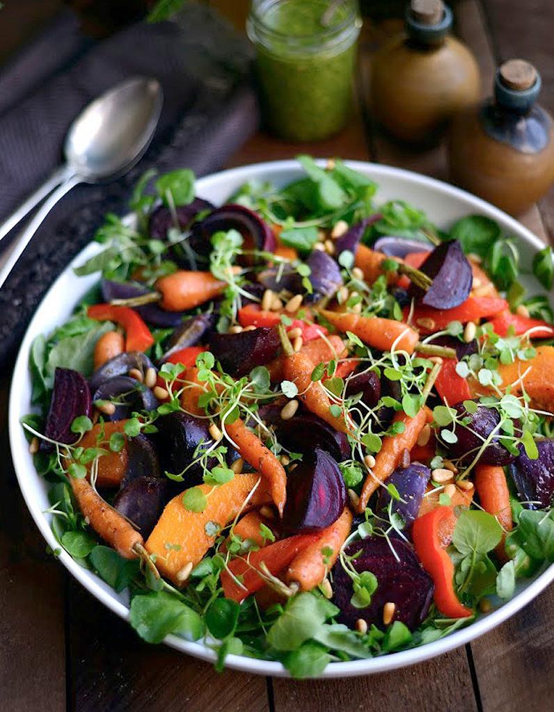 salade d hiver aux carottes des salades d hiver compl tes qui changent de la soupe elle table. Black Bedroom Furniture Sets. Home Design Ideas
