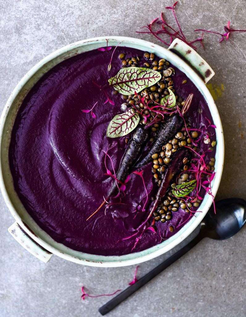 comment faire une soupe violette elle table. Black Bedroom Furniture Sets. Home Design Ideas