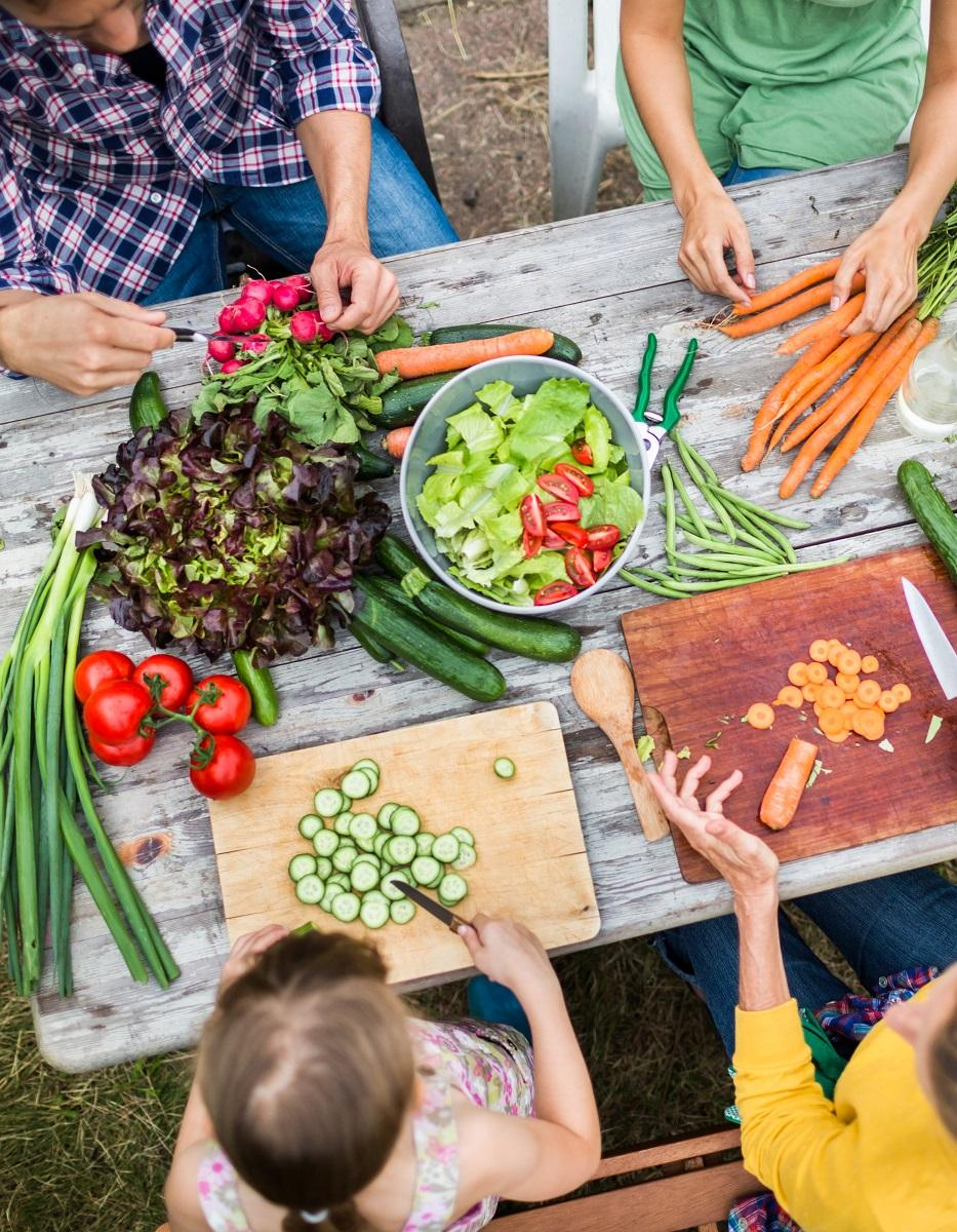 comment aider les enfants manger vari elle table. Black Bedroom Furniture Sets. Home Design Ideas