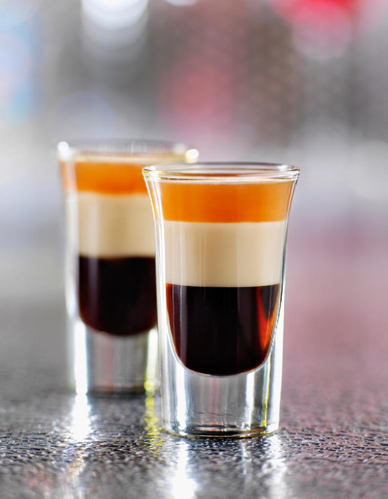Cocktail b 52 pour 1 personne recettes elle table for Site de cocktail