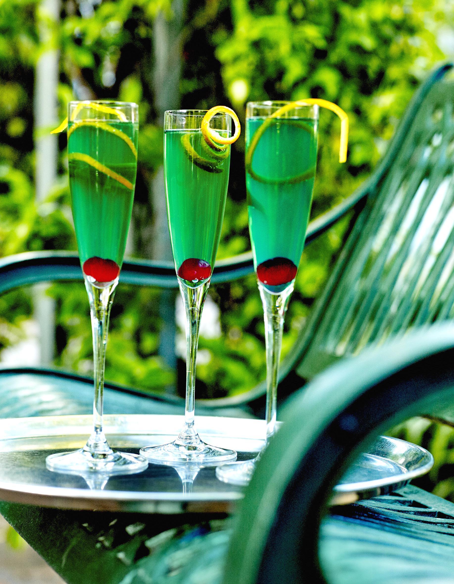 Cocktail royal mint pour 1 personne recettes elle table for Site de cocktail