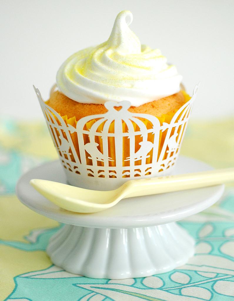 Cupcake au citron gla age citron pour 6 personnes recettes elle table - Glacage cupcake facile ...
