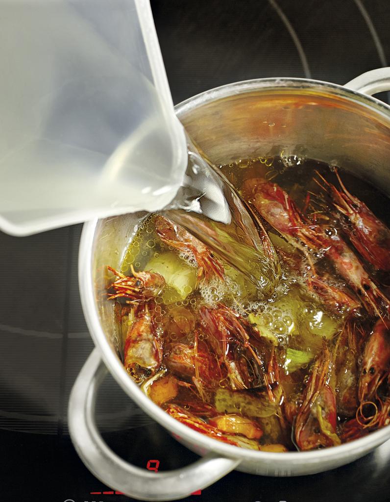 Fumet de poisson concentr pour 6 personnes recettes elle table - Recette avec robot de cuisine ...