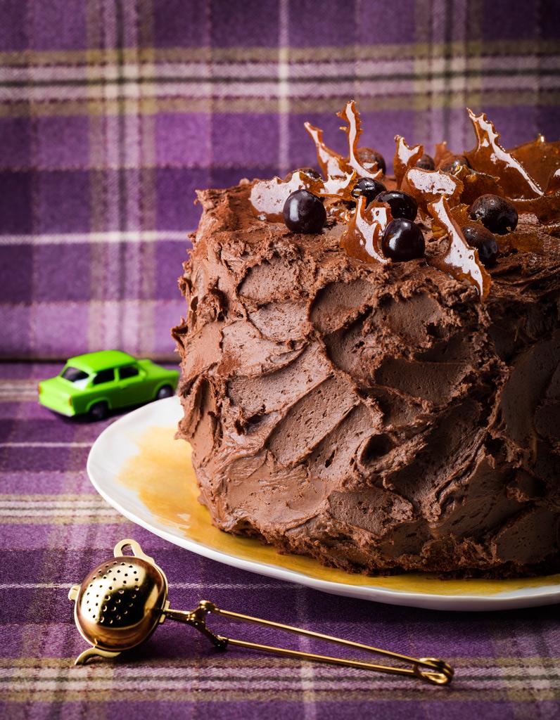 g teau choco mousse aux deux chocolats pour 12 personnes recettes elle table. Black Bedroom Furniture Sets. Home Design Ideas