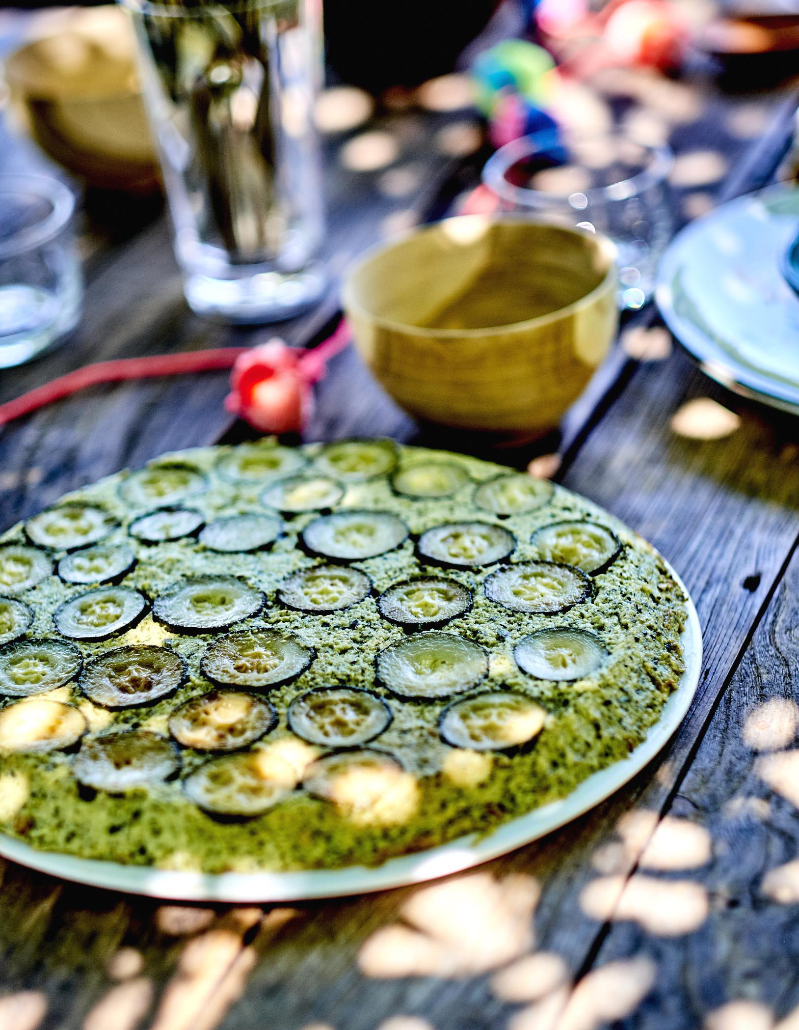 G teau de courgettes pour 6 personnes recettes elle table - Recette cuisine france 2 telematin ...