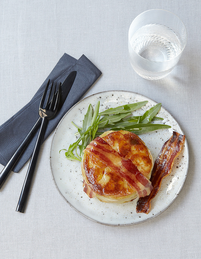 G teau de pommes de terre au lard pour 4 personnes recettes elle table - Sites de recettes de cuisine ...