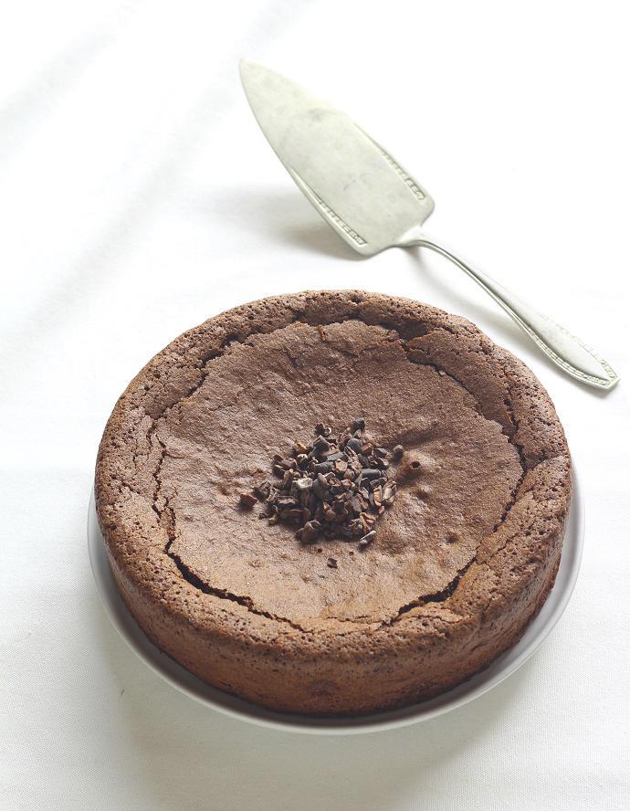 G teau sans gluten au cacao pour 6 personnes recettes elle table - Gateau d anniversaire sans gluten ...