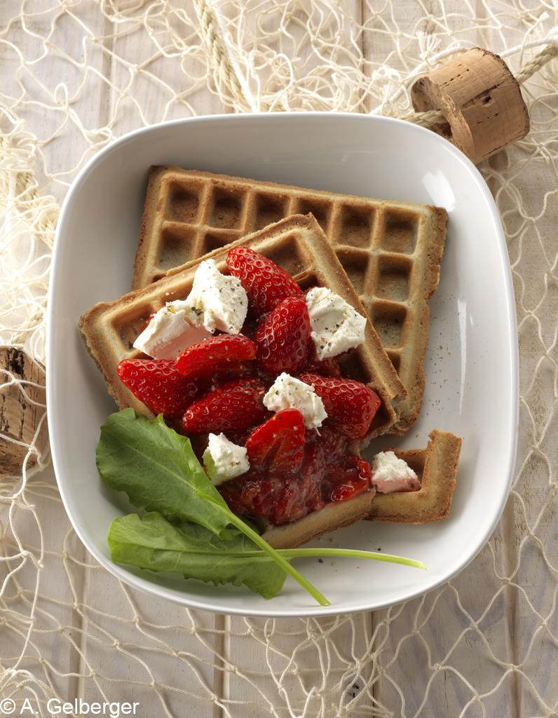 Gaufres au bl noir et fraises pour 10 personnes recettes elle table - Recette mojito fraise pour 10 personnes ...