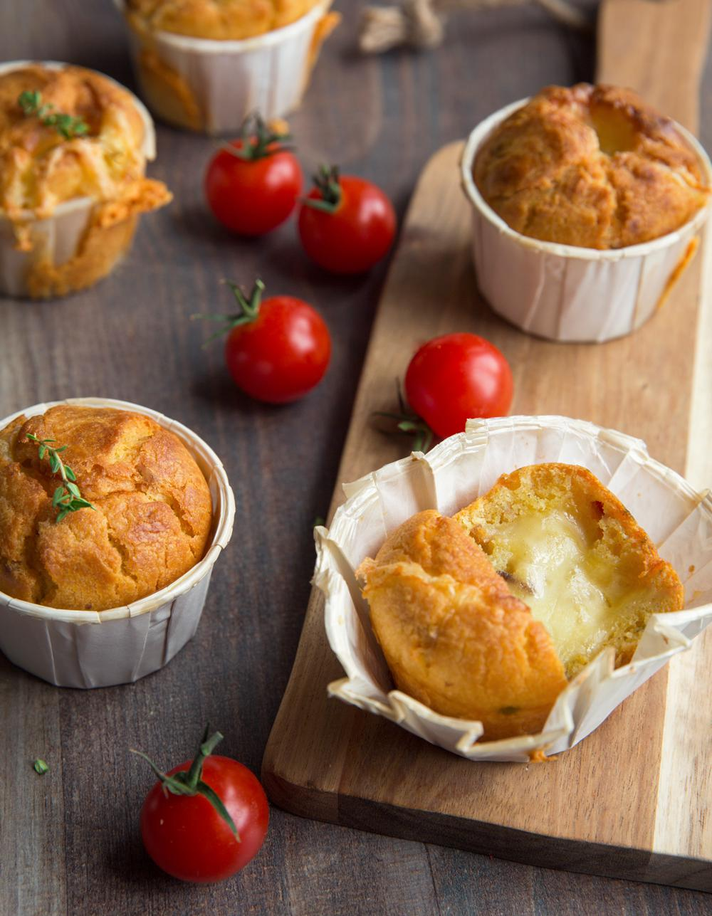 muffins aux tomates s ch es et raclette pour 4 personnes. Black Bedroom Furniture Sets. Home Design Ideas