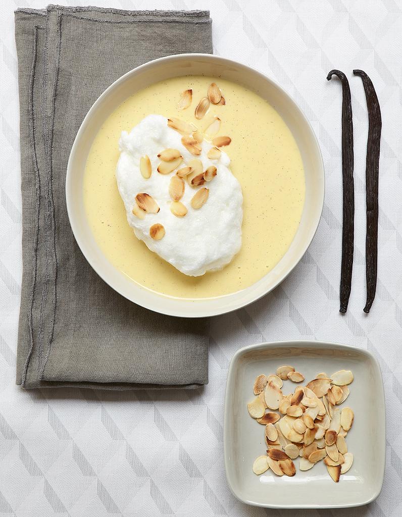 Oeufs la neige cr me la vanille pour 6 personnes recettes elle table - Recette blanc d oeuf thermomix ...