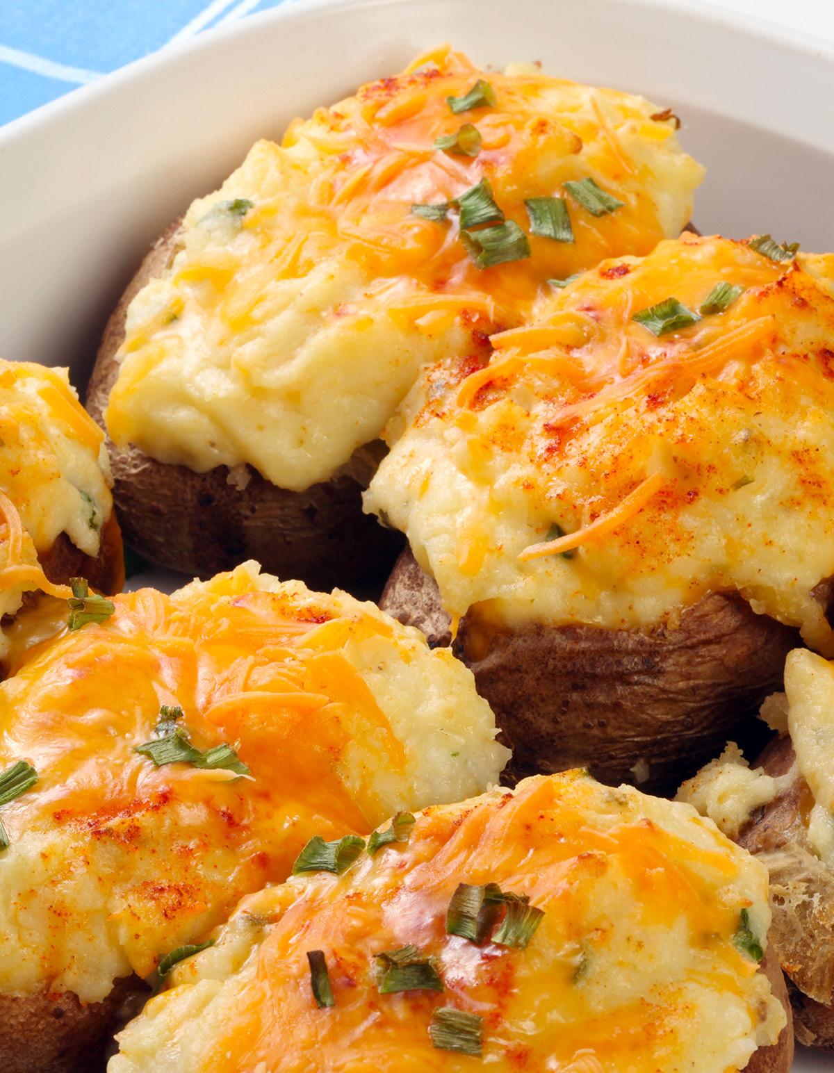Pommes de terre farcies pour 4 personnes recettes elle table - Sites de recettes de cuisine ...
