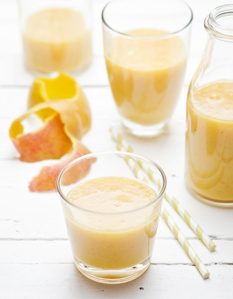 recette smoothie banane mangue b b 12 mois pour 1 personne recettes elle table. Black Bedroom Furniture Sets. Home Design Ideas
