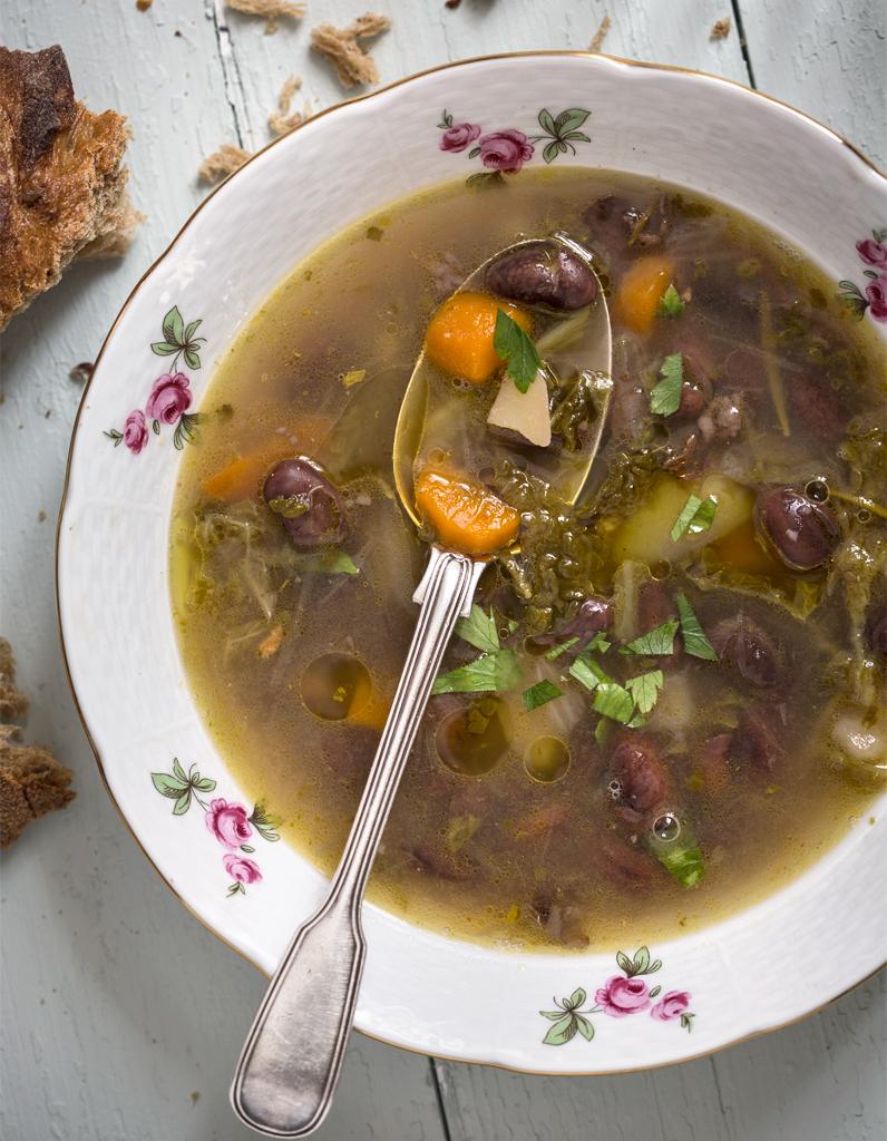 Soupe paysanne aux haricots et jambon de Bayonne pour 6