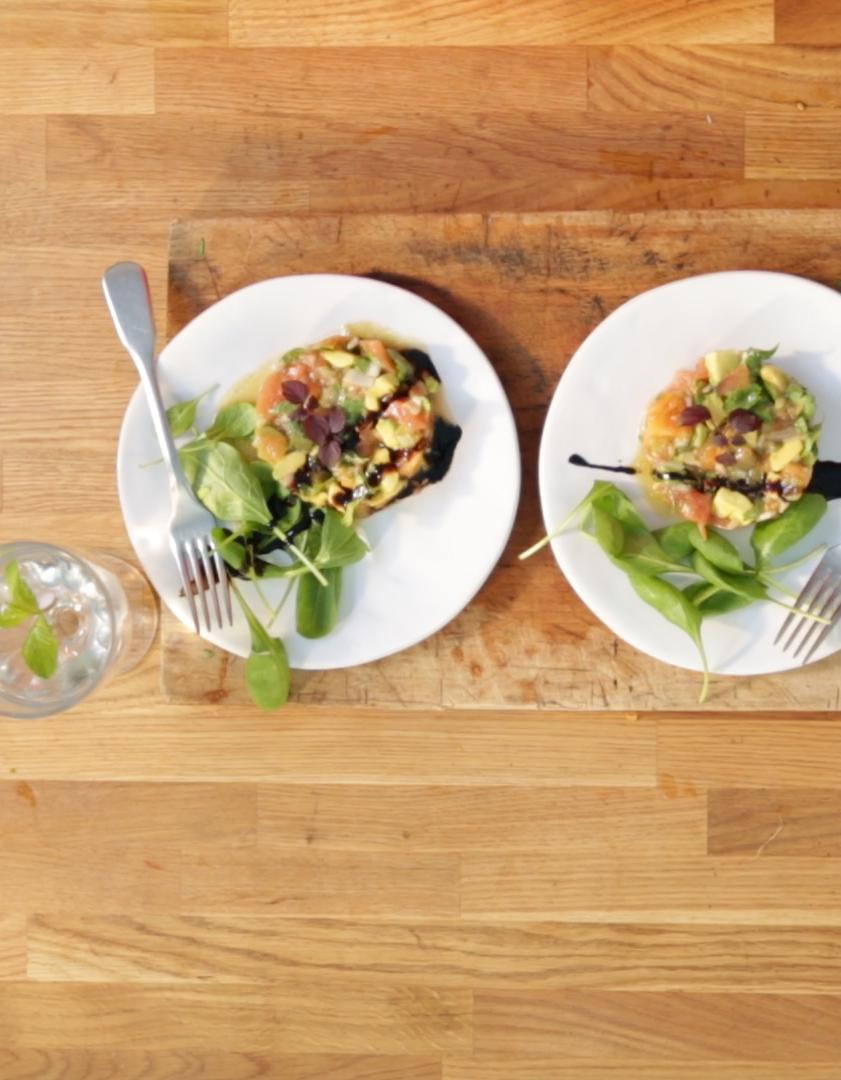 Tartare de tomates pour 4 personnes recettes elle table - Sites de recettes de cuisine ...