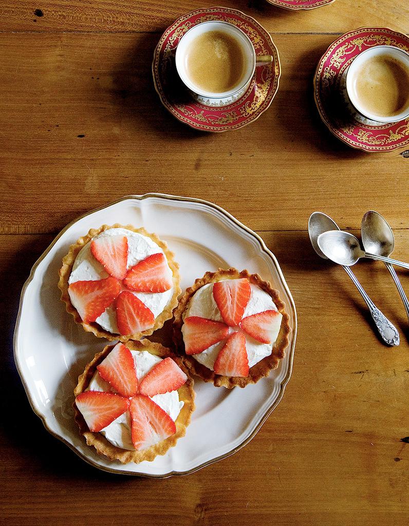 Tartelettes aux fraises et mascarpone de mimi thorisson for La table de mimi