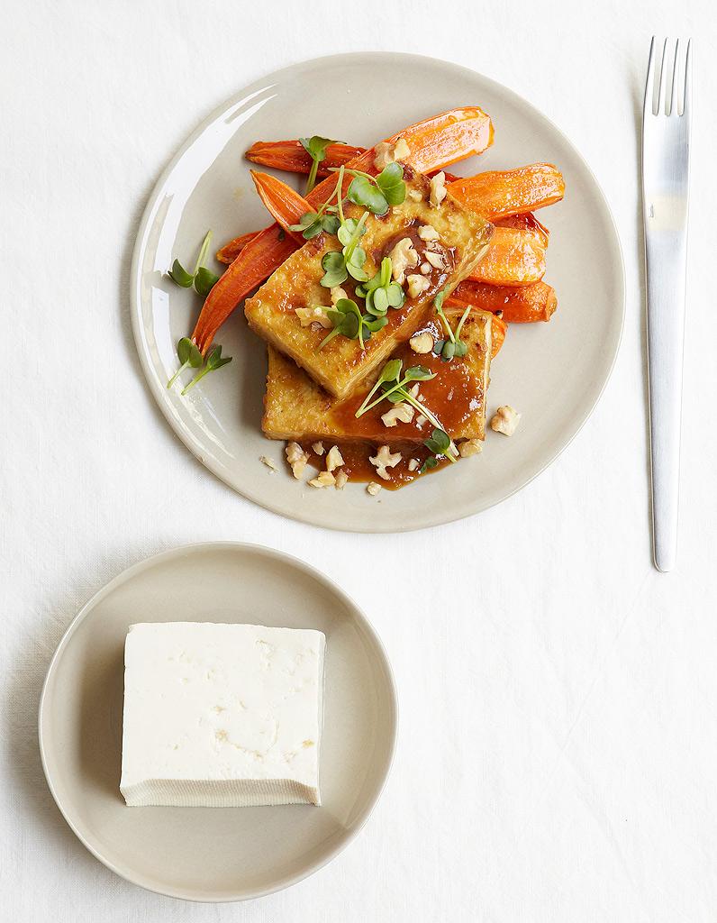 Tofu et carottes r ties sauce miso pour 4 personnes recettes elle table - Site de recettes cuisine ...