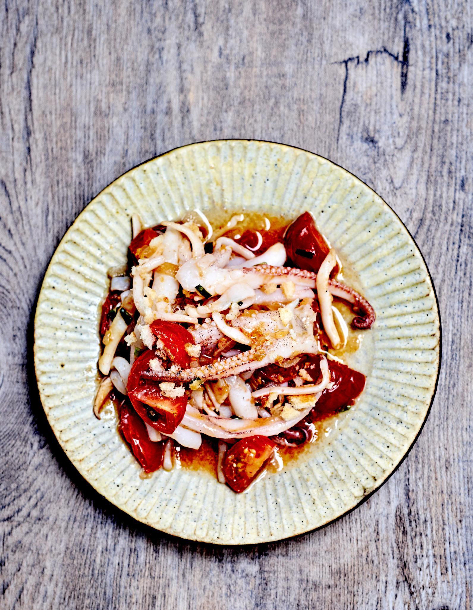 Tomate vierge et seiche pour 4 personnes recettes elle - Cuisiner la seiche fraiche ...