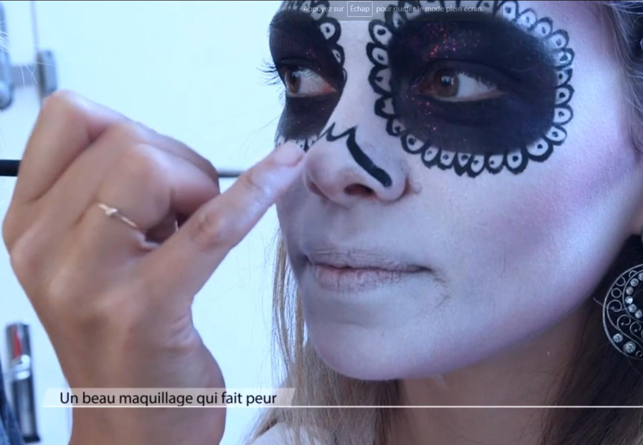 tuto maquillage sp cial halloween elle. Black Bedroom Furniture Sets. Home Design Ideas
